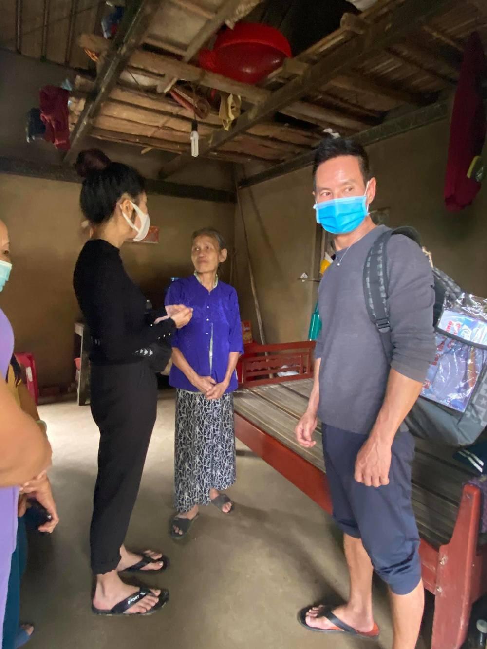 Vợ chồng Lý Hải - Minh Hà nhắn gửi đến các đoàn từ thiện cẩn thận khi đi miền Trung Ảnh 4