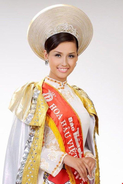 Vẻ đẹp thuần khiết của 16 cô gái thuở mới đăng quang Hoa hậu Việt Nam: Chờ đợi nhan sắc kế nhiệm Tiểu Vy Ảnh 14