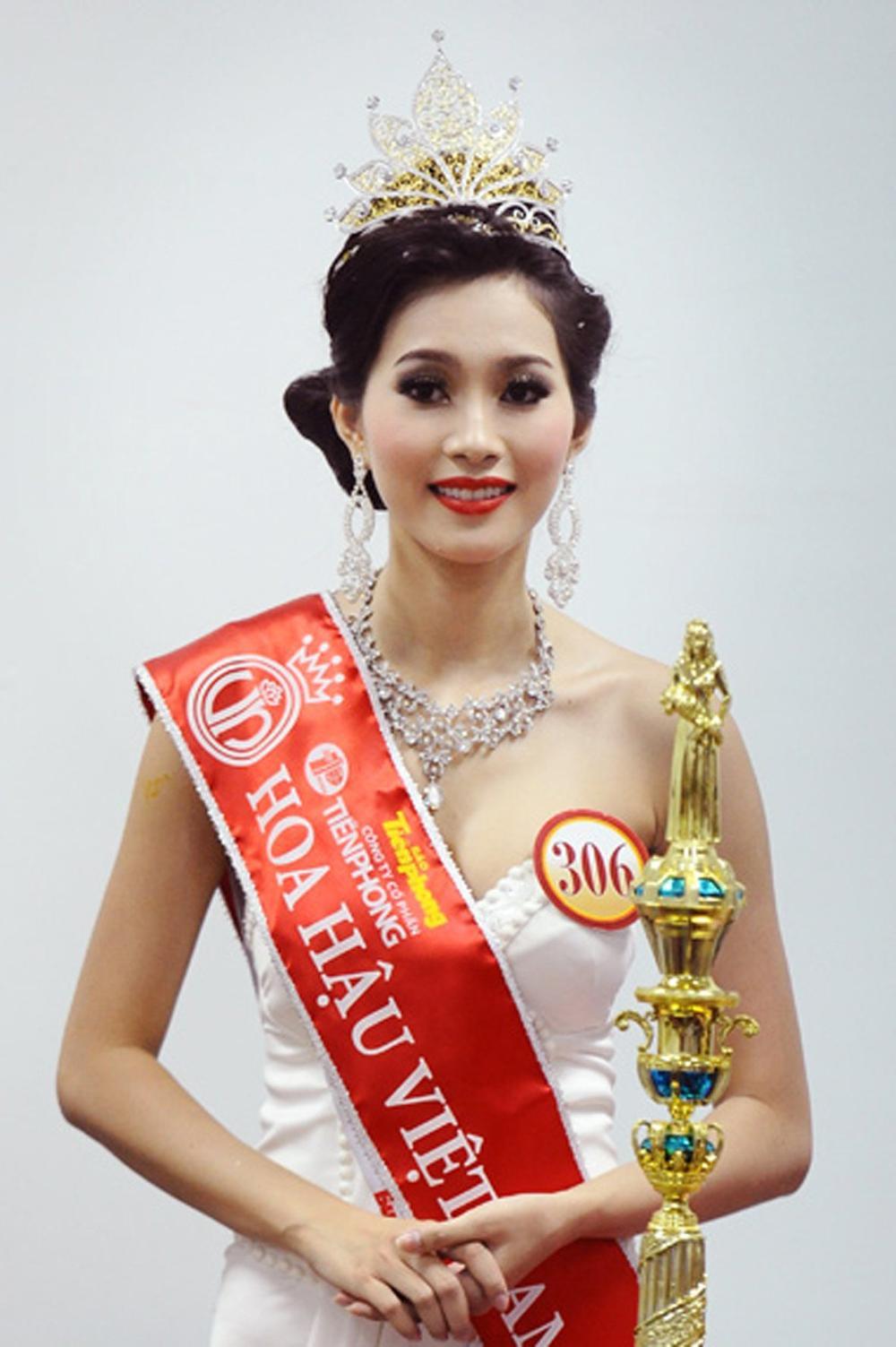 Vẻ đẹp thuần khiết của 16 cô gái thuở mới đăng quang Hoa hậu Việt Nam: Chờ đợi nhan sắc kế nhiệm Tiểu Vy Ảnh 8