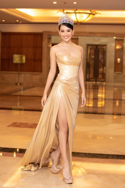 Vẻ đẹp thuần khiết của 16 cô gái thuở mới đăng quang Hoa hậu Việt Nam: Chờ đợi nhan sắc kế nhiệm Tiểu Vy Ảnh 3