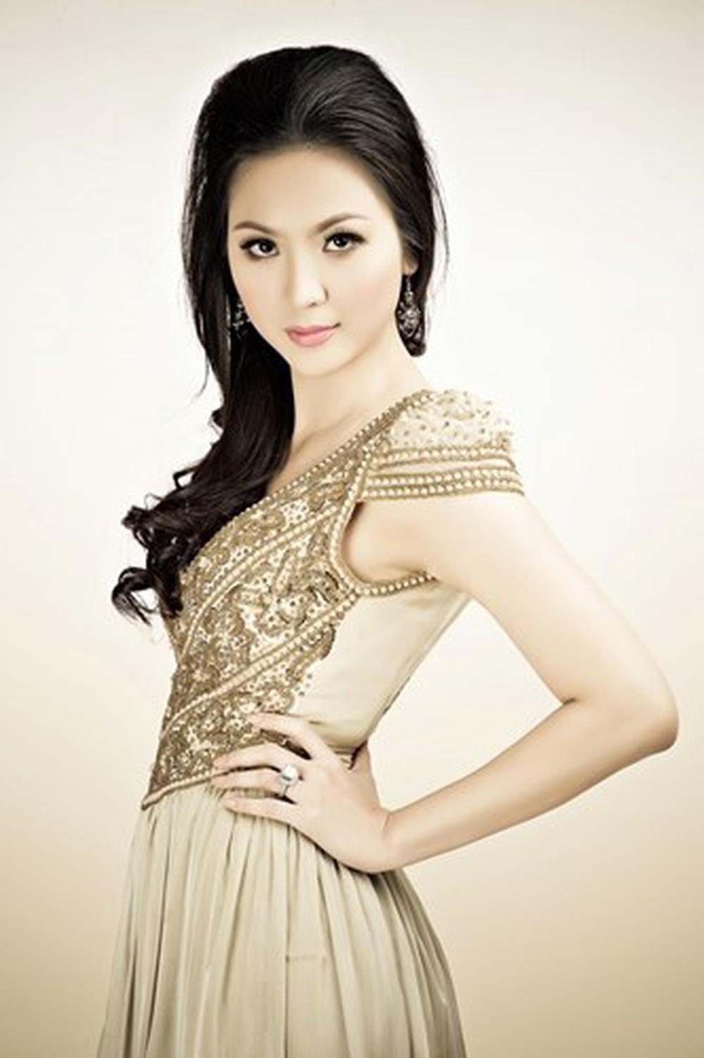 Vẻ đẹp thuần khiết của 16 cô gái thuở mới đăng quang Hoa hậu Việt Nam: Chờ đợi nhan sắc kế nhiệm Tiểu Vy Ảnh 21