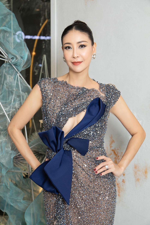 Vẻ đẹp thuần khiết của 16 cô gái thuở mới đăng quang Hoa hậu Việt Nam: Chờ đợi nhan sắc kế nhiệm Tiểu Vy Ảnh 29