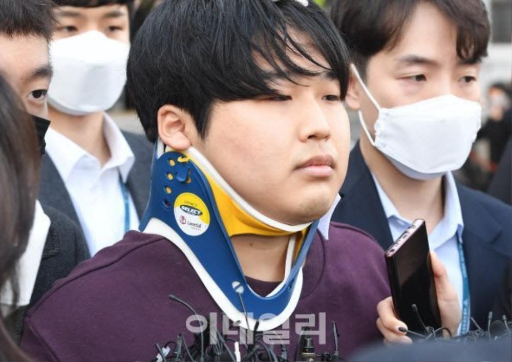Thủ phạm 'Phòng chat thứ N' nhận án tù chung thân, Knet đòi tử hình: Bật khóc nức nở trước tòa! Ảnh 1