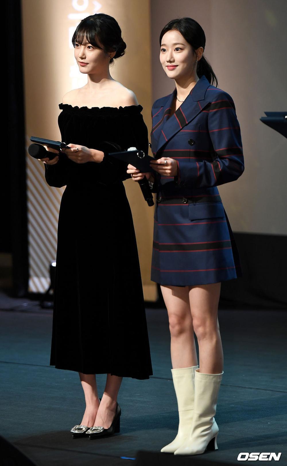 Goo Hye Sun rạng rỡ sau ly hôn, đọ sắc loạt sao Hàn trên thảm đỏ 'LHP Bucheon 2020' Ảnh 18