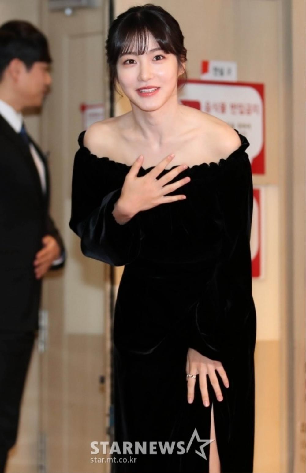 Goo Hye Sun rạng rỡ sau ly hôn, đọ sắc loạt sao Hàn trên thảm đỏ 'LHP Bucheon 2020' Ảnh 6