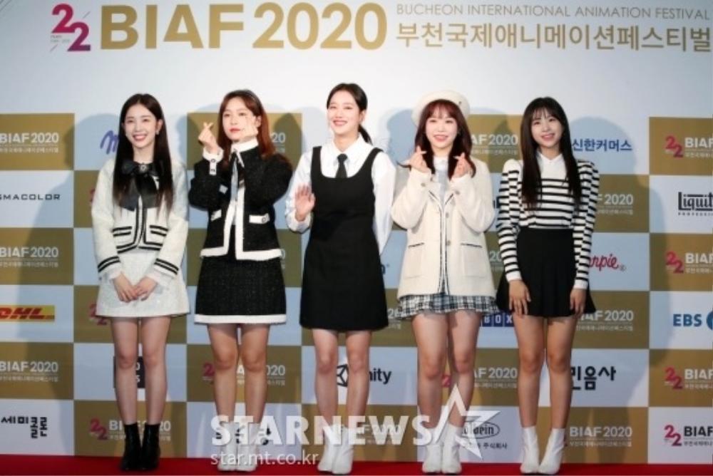 Goo Hye Sun rạng rỡ sau ly hôn, đọ sắc loạt sao Hàn trên thảm đỏ 'LHP Bucheon 2020' Ảnh 8