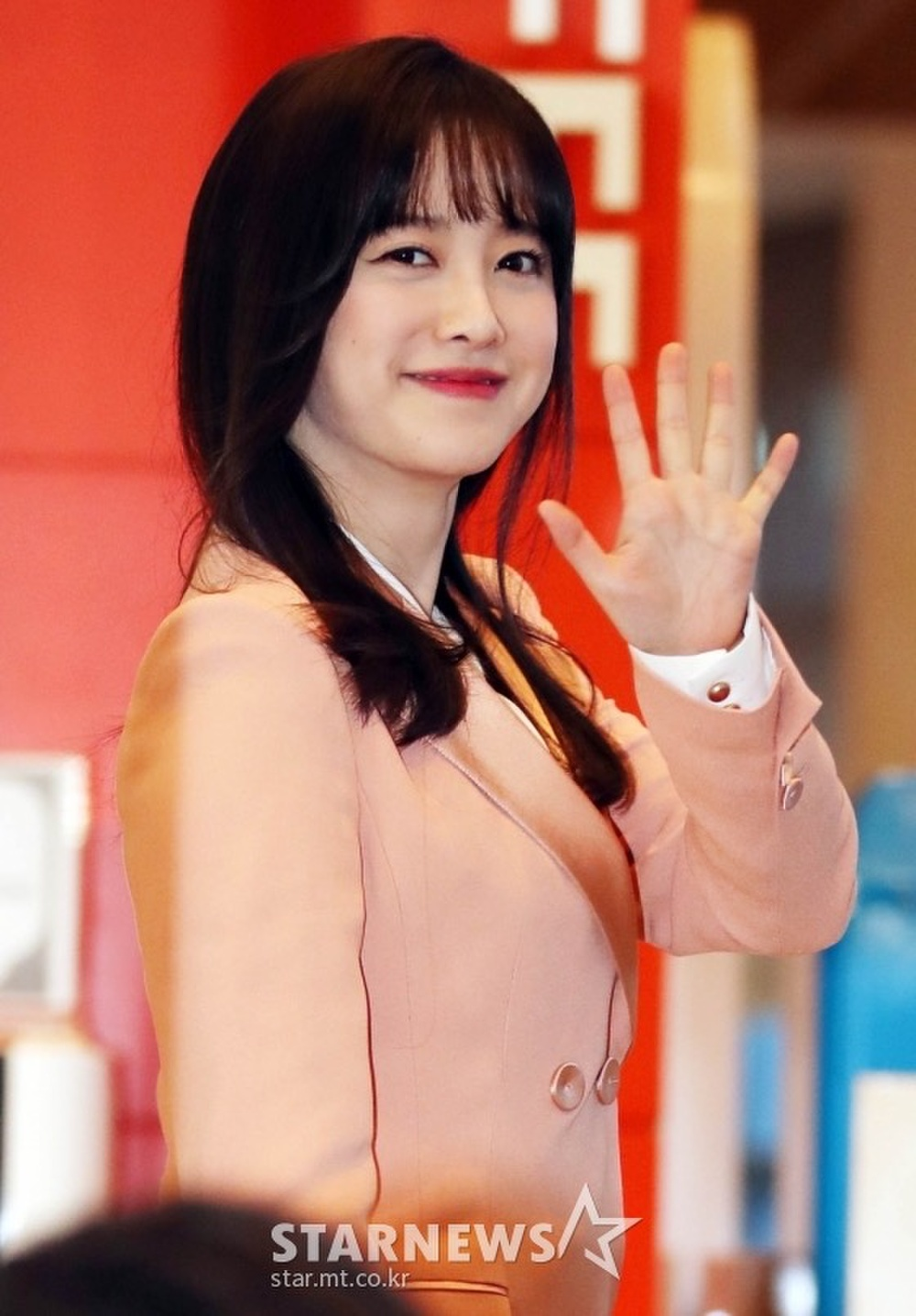 Goo Hye Sun rạng rỡ sau ly hôn, đọ sắc loạt sao Hàn trên thảm đỏ 'LHP Bucheon 2020' Ảnh 23