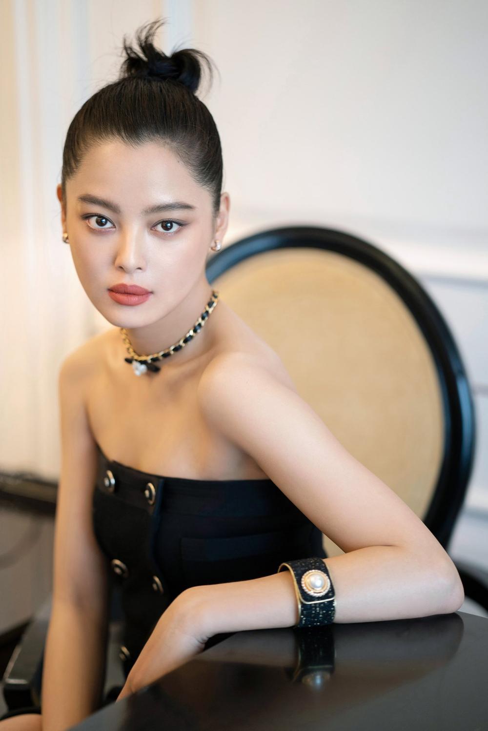 'Đêm hội ELLE 2020': Cận cảnh nhan sắc đẹp nao lòng của Dương Mịch, Cổ Lực Na Trát, Đường Yên và loạt sao Cbiz Ảnh 48