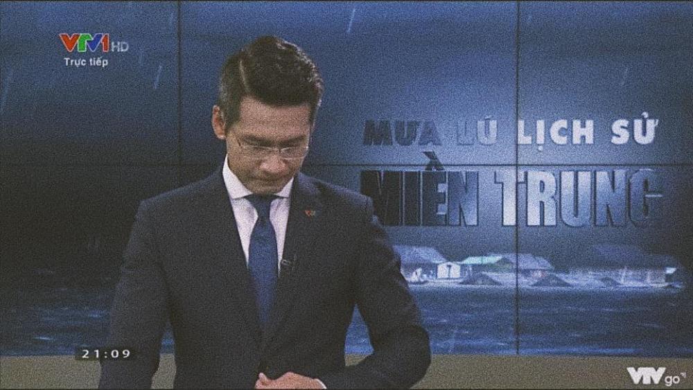 Xúc động khoảnh khắc MC VTV nghẹn ngào nuốt nước mắt khi nói về lũ lụt miền Trung Ảnh 2