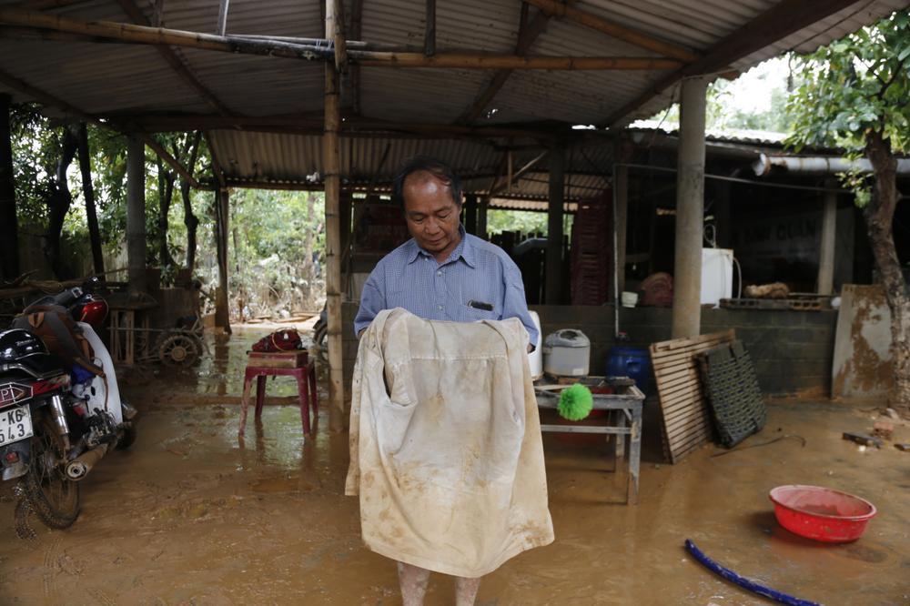 Chuyện về hai ông cháu dũng cảm cứu gần 100 người qua cơn lũ dữ Quảng Bình Ảnh 5