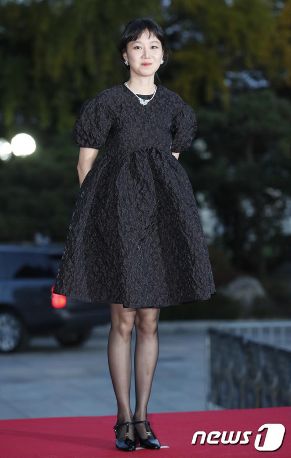 Thảm đỏ hot nhất Hàn Quốc: SEVENTEEN cùng Hyun Bin, Gong Hyo Jin, Kim Hee Ae và Kang Ha Neul gây sốt Ảnh 1