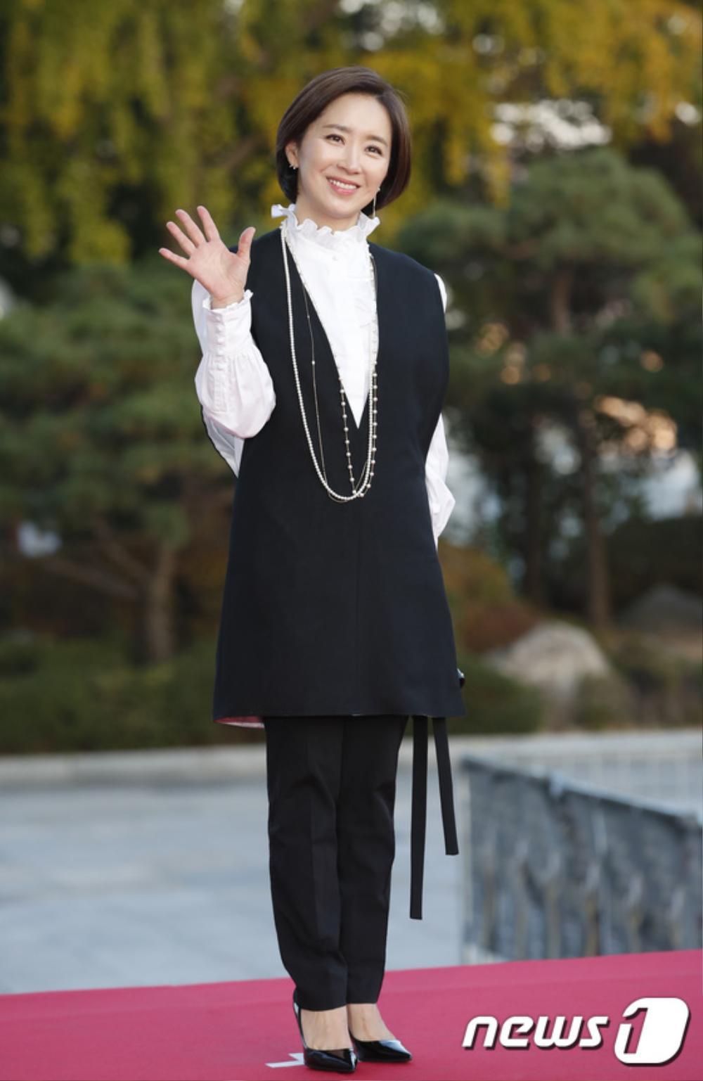 Thảm đỏ hot nhất Hàn Quốc: SEVENTEEN cùng Hyun Bin, Gong Hyo Jin, Kim Hee Ae và Kang Ha Neul gây sốt Ảnh 20