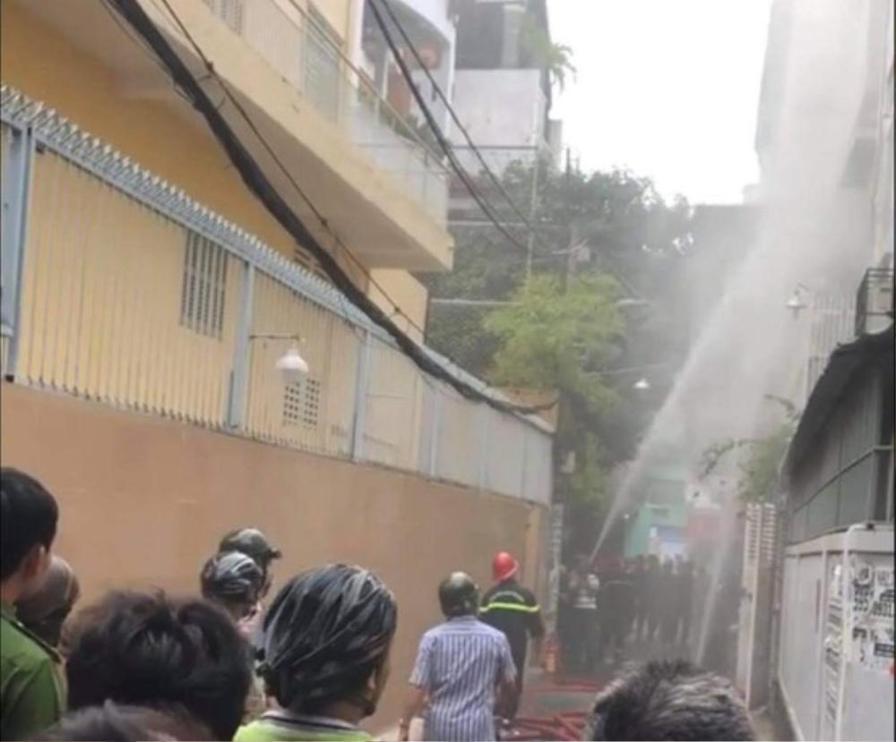 Người phụ nữ tử vong trong căn nhà cháy ở Sài Gòn, nghi bị sát hại Ảnh 1