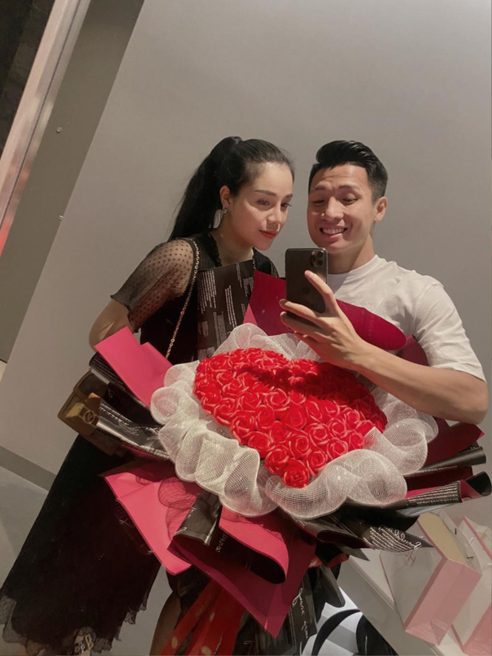 Khánh Linh đặt lại trạng thái 'đã đính hôn' với Bùi Tiến Dũng Ảnh 2