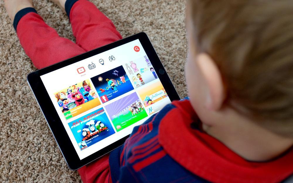 Xuất hiện kênh YouTube hoạt hình với nhiều nội dung không phù hợp trẻ em Ảnh 6