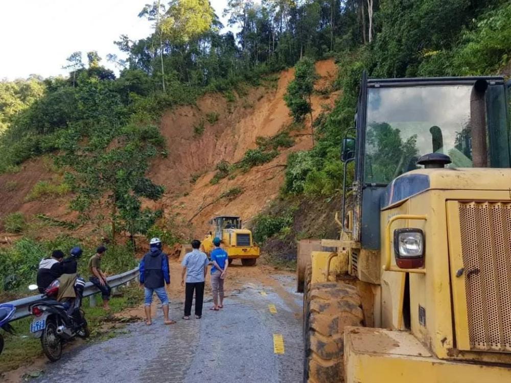 Vụ sạt lở đất ở Quảng Nam: Mất liên lạc với cả gia đình Bí thư xã Trà Leng Ảnh 1