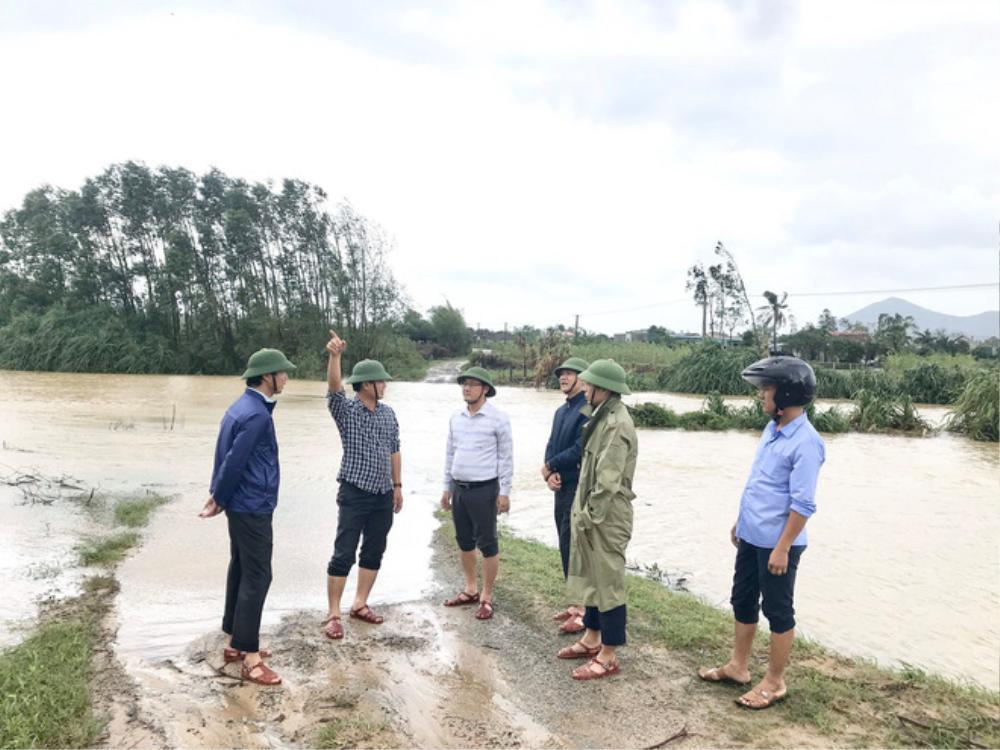 Hà Tĩnh lệnh sơ tán khẩn cả nghìn người dân khỏi vùng ngập lụt, sạt lở Ảnh 4