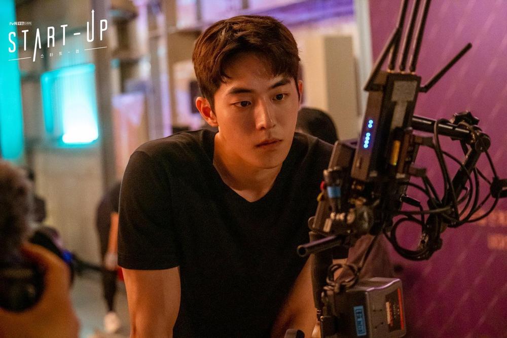 10 diễn viên - phim Hàn tìm kiếm nhiều nhất tuần 4 tháng 10: Suzy đánh bại Park Bo Gum - Lee Dong Wook Ảnh 1