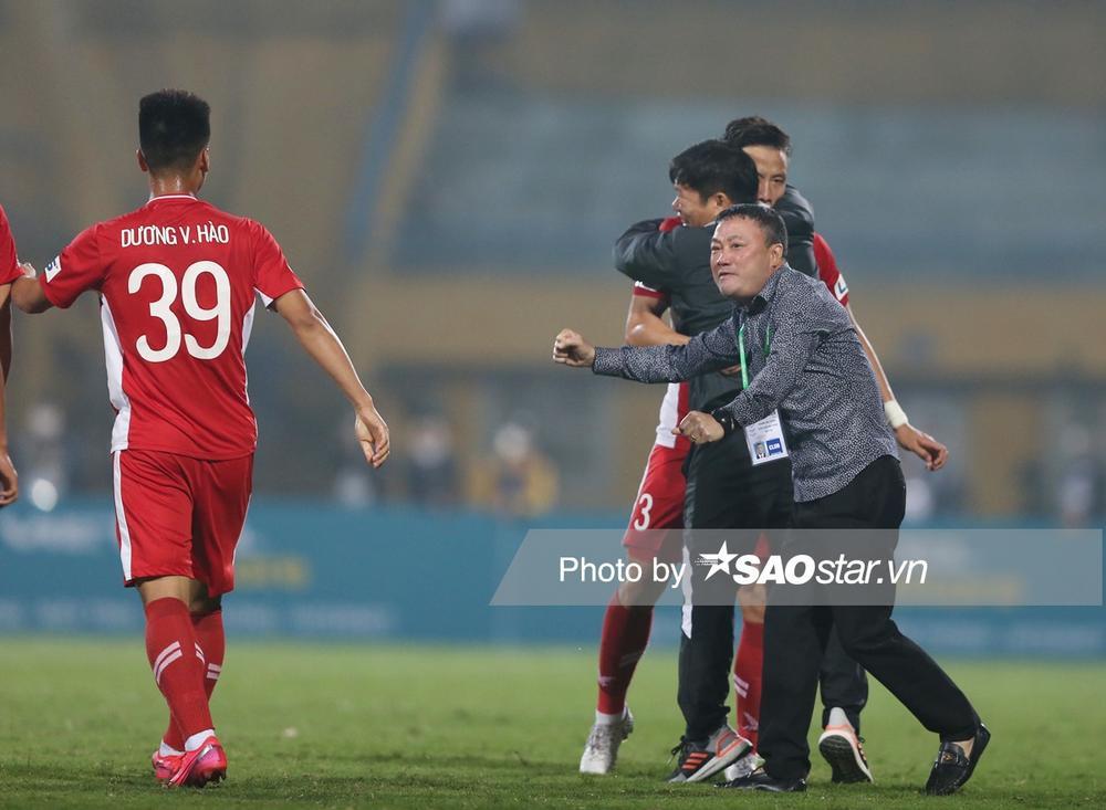 Viettel đấu Hà Nội FC: Trọng tài ơi, đừng vô tình sai! Ảnh 1