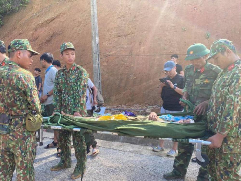 Vụ sạt lở kinh hoàng ở Quảng Nam: Cứu sống 33 người Ảnh 3