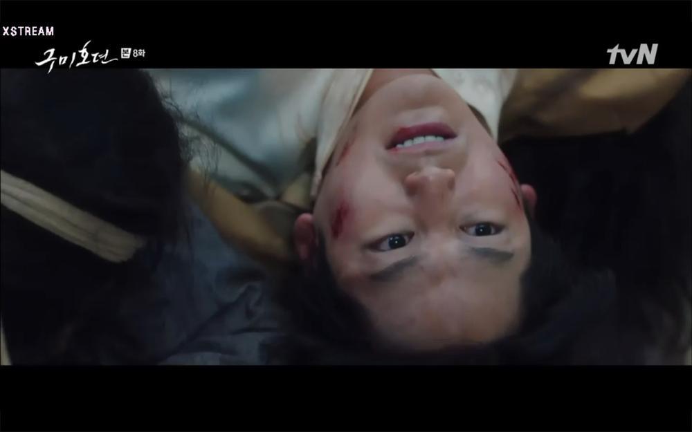 'Bạn trai tôi là hồ ly' tập 8: Bỏ mặc người tình, Lee Dong Wook xả thân cứu em trai Kim Bum trước? Ảnh 53