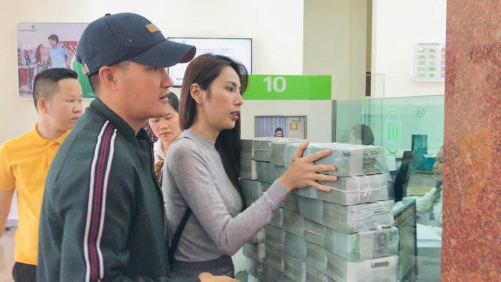 Nghi vấn có người thu lại tiền cứu trợ, Thủy Tiên khẳng định: 'Tiền gửi ở đây là phải lấy về từng đồng' Ảnh 3