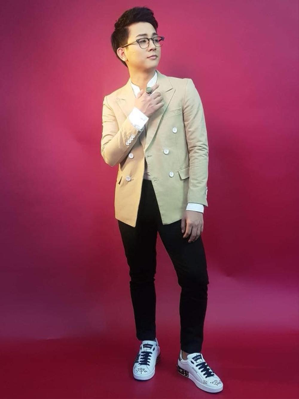 Kênh Youtube của Hoài Lâm cán mốc 1 triệu lượt đăng ký, Lê Hiếu - Xuân Nghị vào chúc mừng Ảnh 1
