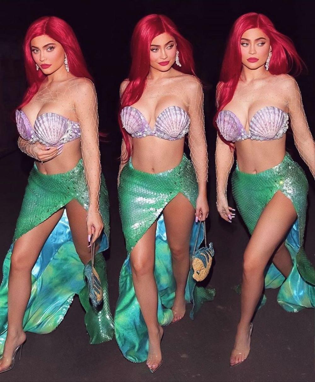 Kylie Jenner hóa trang Halloween với trang phục 5 anh em siêu nhân với mái tóc đỏ rực Ảnh 4