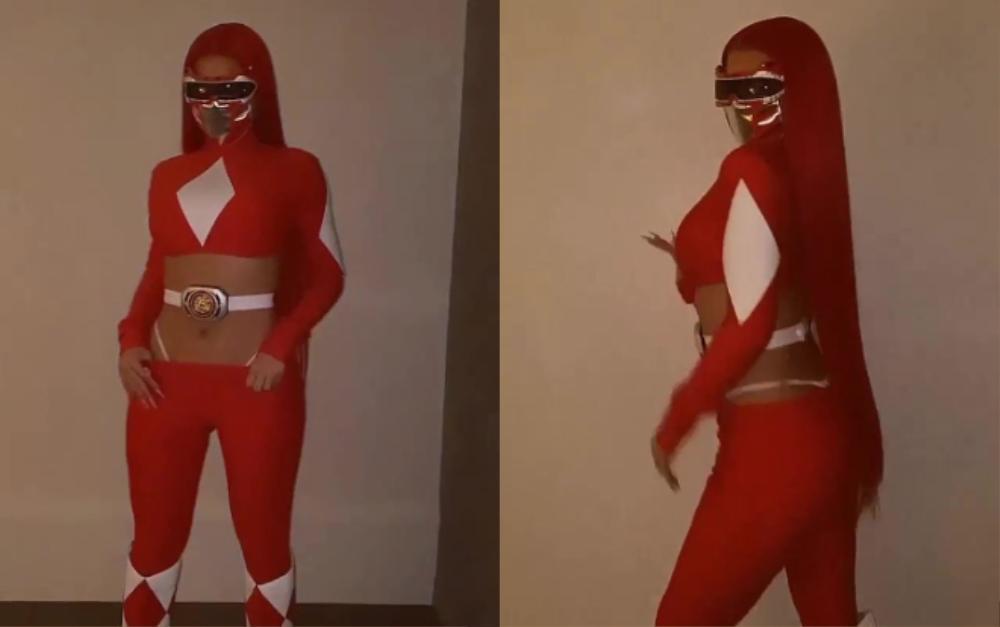 Kylie Jenner hóa trang Halloween với trang phục 5 anh em siêu nhân với mái tóc đỏ rực Ảnh 2