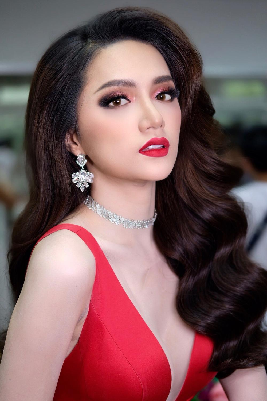 3 lần Hoa hậu Hương Giang gặp 'ngập chìm' trong scandal với 3 cá tính đáp trả dư luận khác nhau Ảnh 10