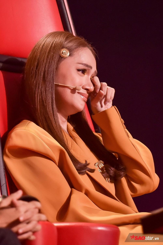 3 lần Hoa hậu Hương Giang gặp 'ngập chìm' trong scandal với 3 cá tính đáp trả dư luận khác nhau Ảnh 9
