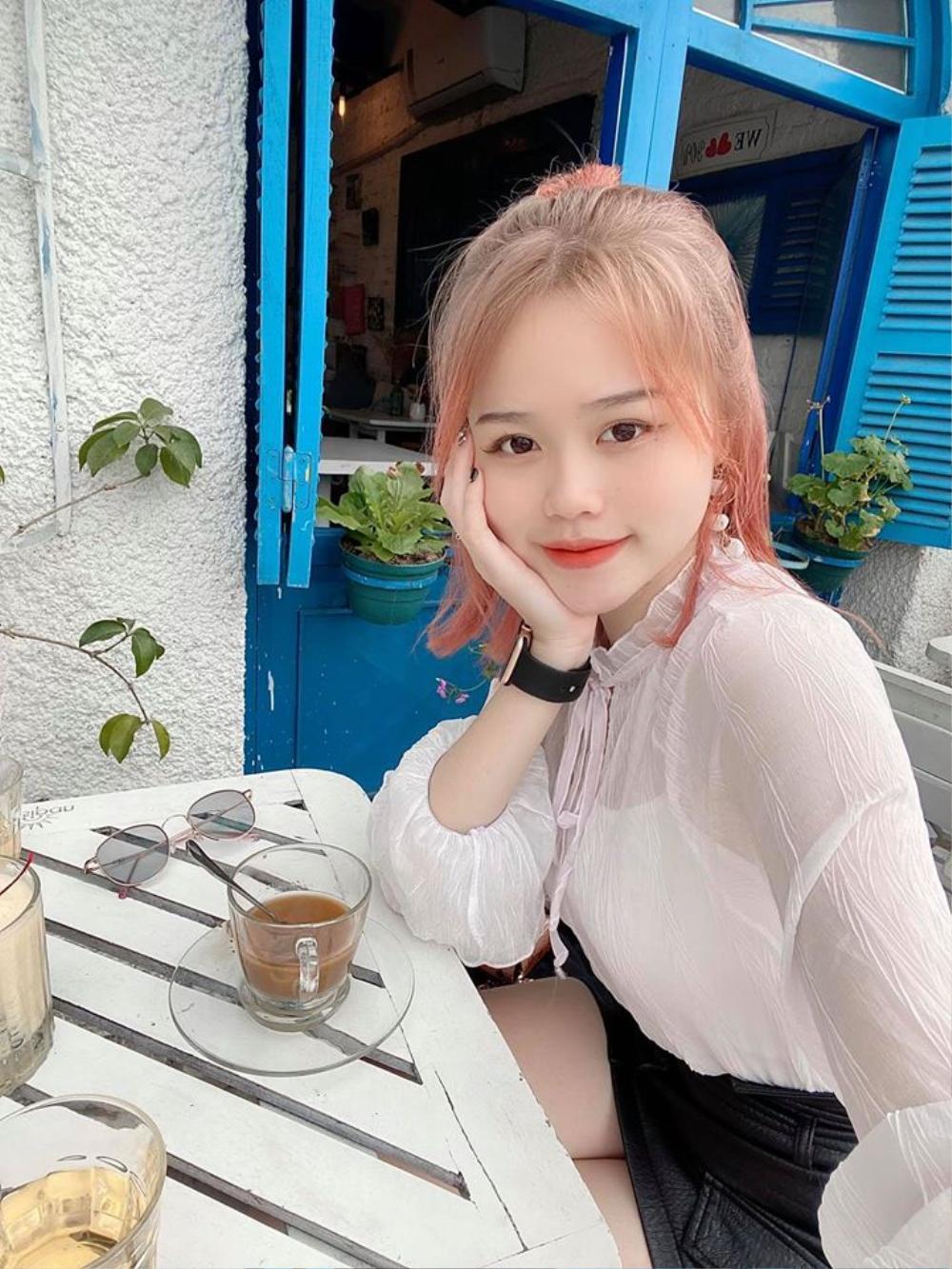 Soi học vấn của Huỳnh Anh, nàng WAGs đang vướng phải lùm xùm bị tố là'Tuesday' Ảnh 3