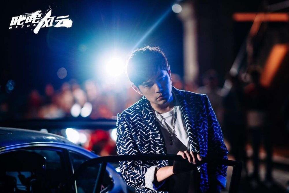 Hình ảnh mới nhất của Vương Tuấn Khải trong phim của Châu Kiệt Luân bị tiết lộ Ảnh 2