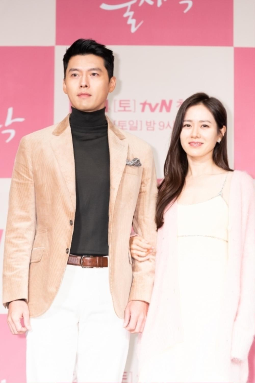 'Vợ chồng' Son Ye Jin - Hyun Bin lại làm mưa làm gió truyền thông: Lý do là gì? Ảnh 2