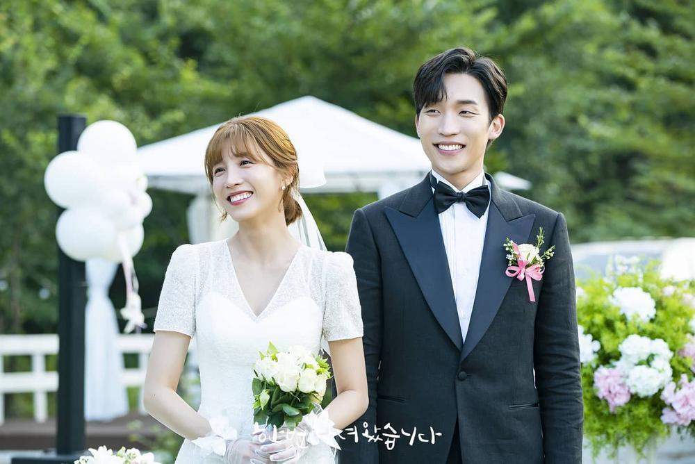 'Vợ chồng' Son Ye Jin - Hyun Bin lại làm mưa làm gió truyền thông: Lý do là gì? Ảnh 9