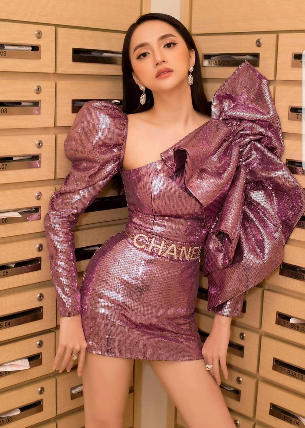 Hương Giang kiêu sa hết phần thiên hạ với kiểu áo tay bồng bềnh cực khủng Ảnh 7