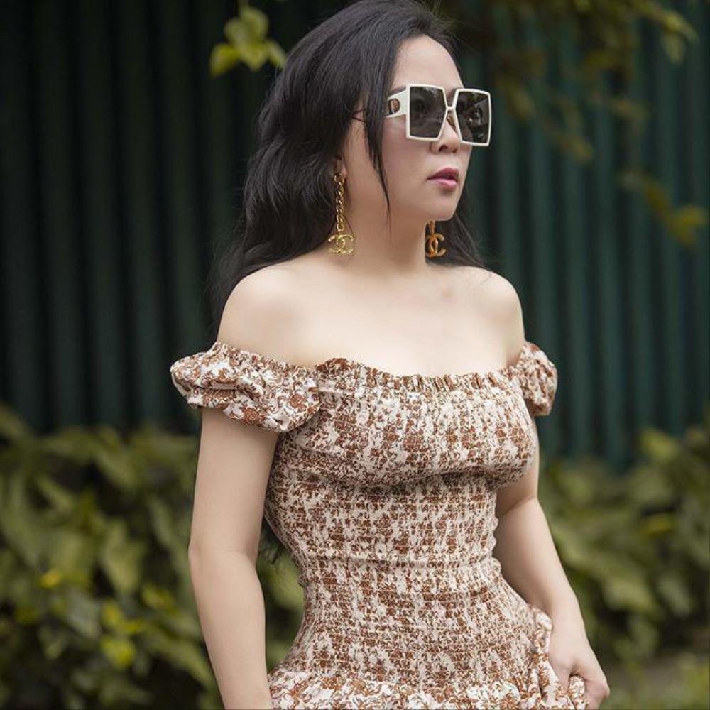 Ít ai như Phượng Chanel, diện hoài một kiểu đồ dù có bị chê vẫn mặc miệt mài Ảnh 7