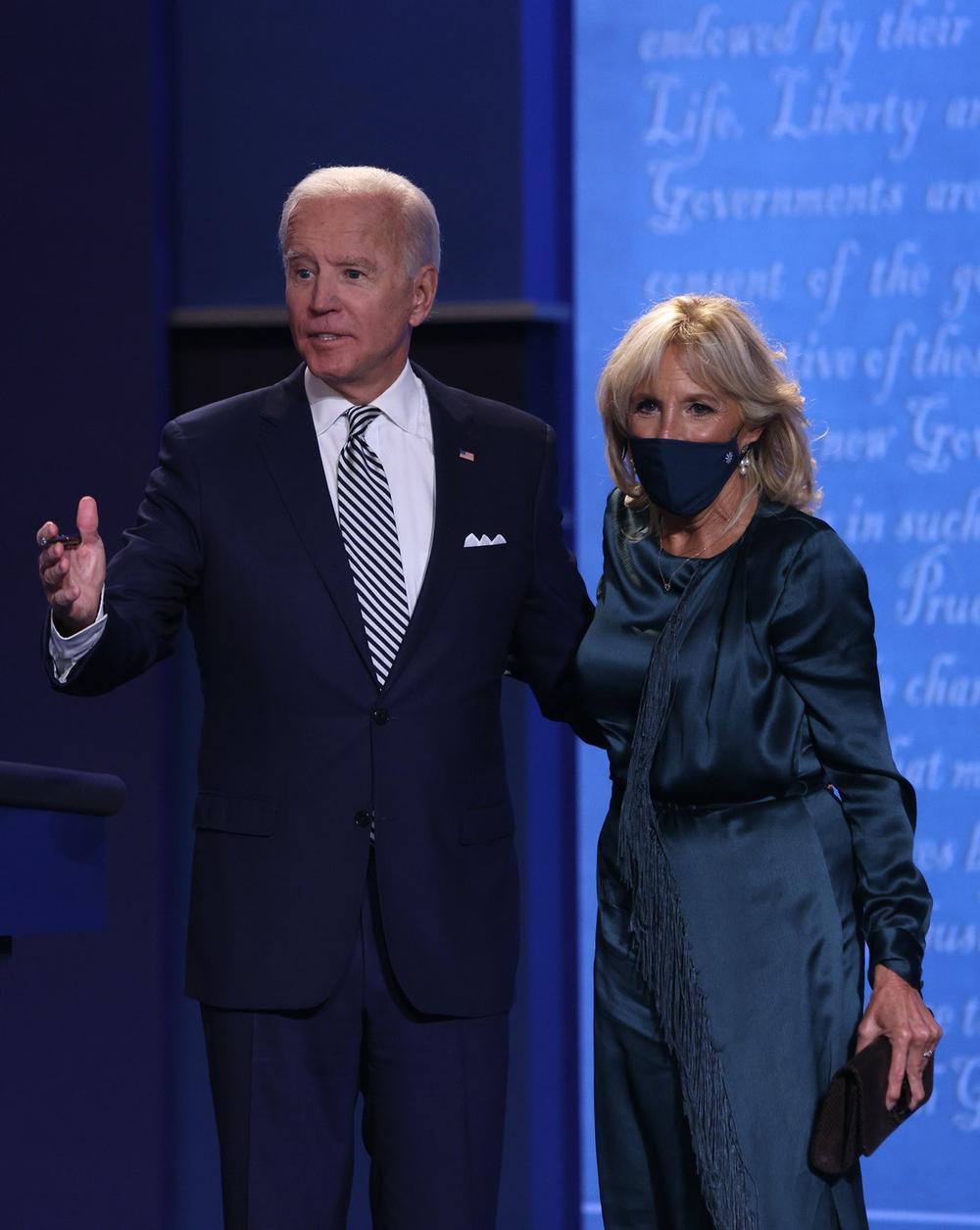 Phong cách thời trang thanh tao của vợ ứng viên Tổng thống Mỹ Joe Biden Ảnh 8