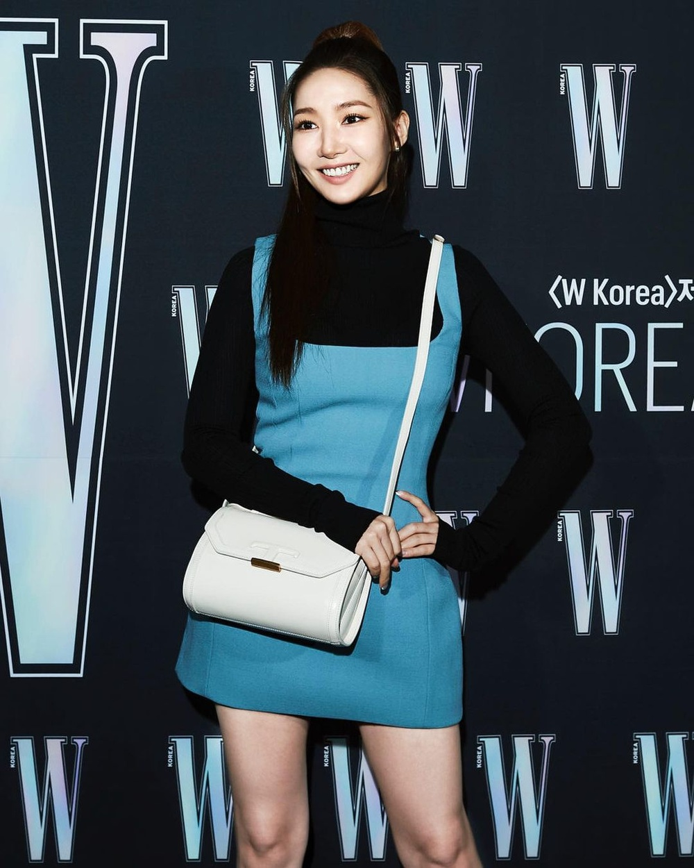 Sau khi bị chê gương mặt khác lạ khó nhận ra Park Min Young tái xuất xinh đẹp khiến ai cũng sững sờ Ảnh 2