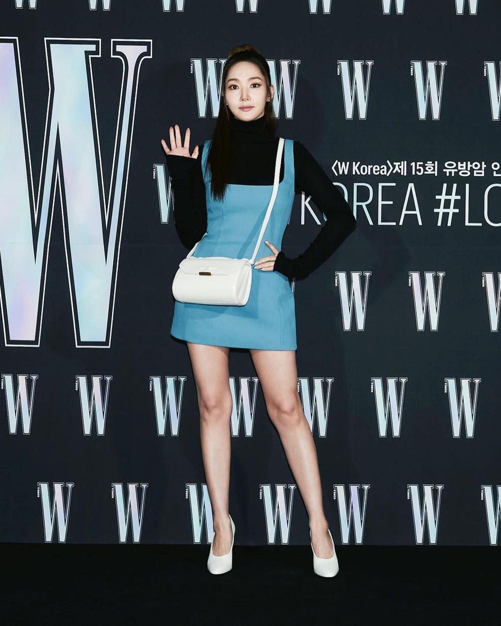 Sau khi bị chê gương mặt khác lạ khó nhận ra Park Min Young tái xuất xinh đẹp khiến ai cũng sững sờ Ảnh 3