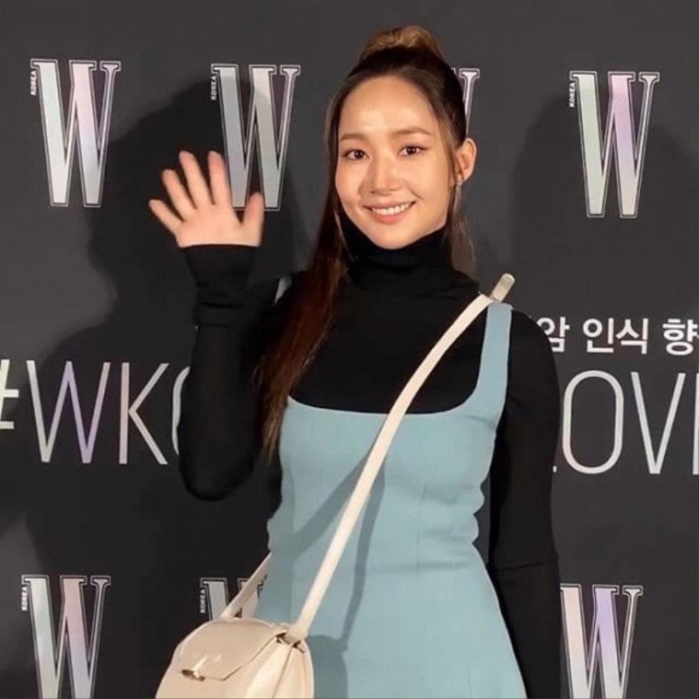 Sau khi bị chê gương mặt khác lạ khó nhận ra Park Min Young tái xuất xinh đẹp khiến ai cũng sững sờ Ảnh 4