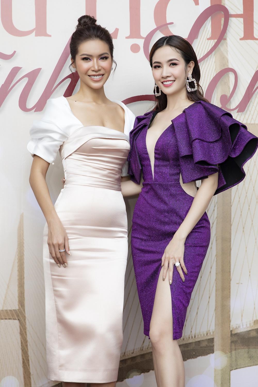 Phan Thị Mơ diện váy xẻ sâu tận rốn, đọ sắc với Minh Tú - Huyền My Ảnh 6
