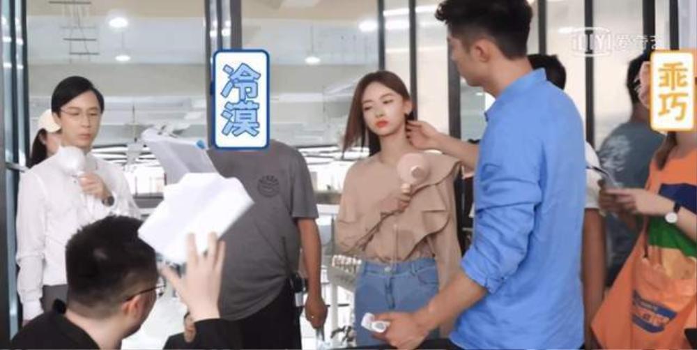 Hoàng Cảnh Du giở trò 'dê xồm', quấy rối bạn diễn Ngô Cẩn Ngôn ngay trên phim trường Ảnh 5