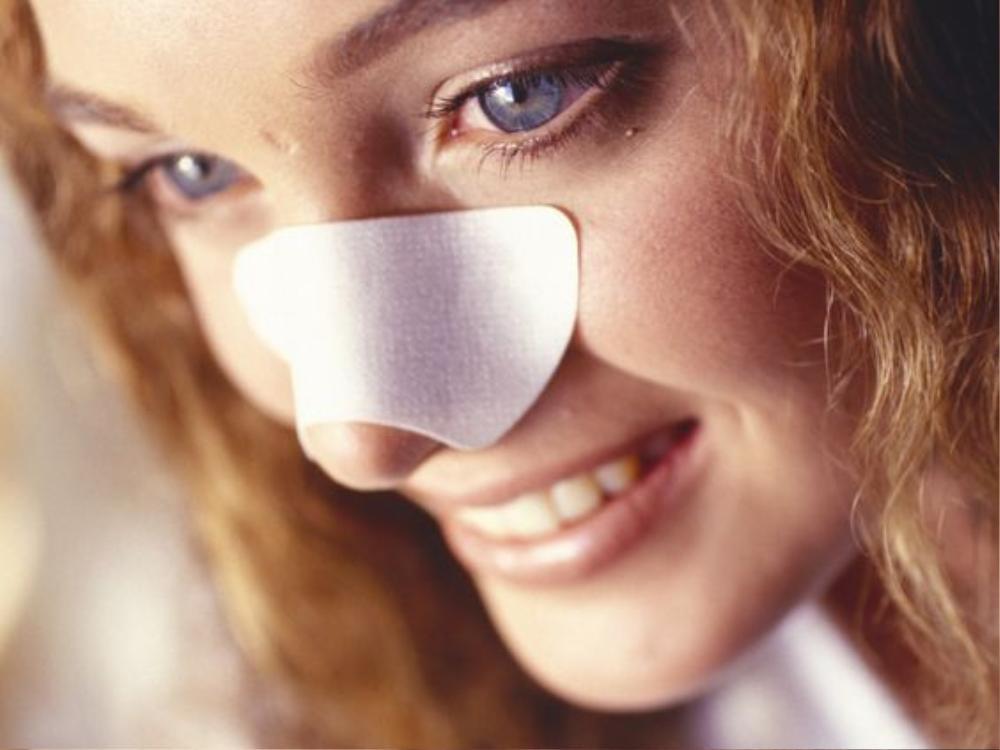 7 sản phẩm skincare quen thuộc có thể làm hỏng da của bạn Ảnh 7