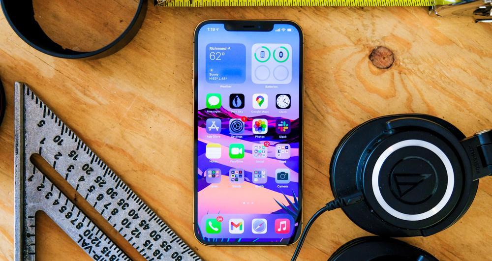 iPhone 12 Pro Max loạn giá ngày đầu về VN, chênh nhau cả chục triệu đồng Ảnh 1
