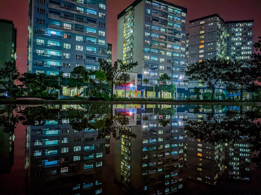 Sau cơn mưa, KTX ĐHQG TP.HCM đẹp lung linh khi hàng ngàn ánh đèn bừng sáng Ảnh 18