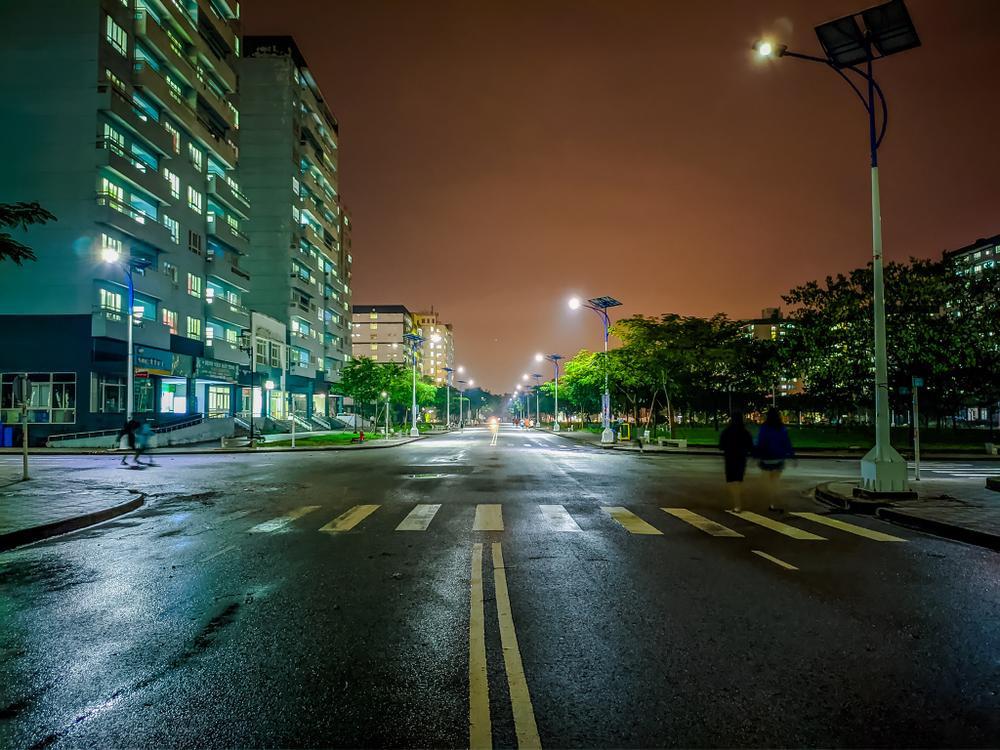 Sau cơn mưa, KTX ĐHQG TP.HCM đẹp lung linh khi hàng ngàn ánh đèn bừng sáng Ảnh 19