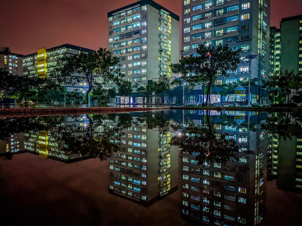 Sau cơn mưa, KTX ĐHQG TP.HCM đẹp lung linh khi hàng ngàn ánh đèn bừng sáng Ảnh 10