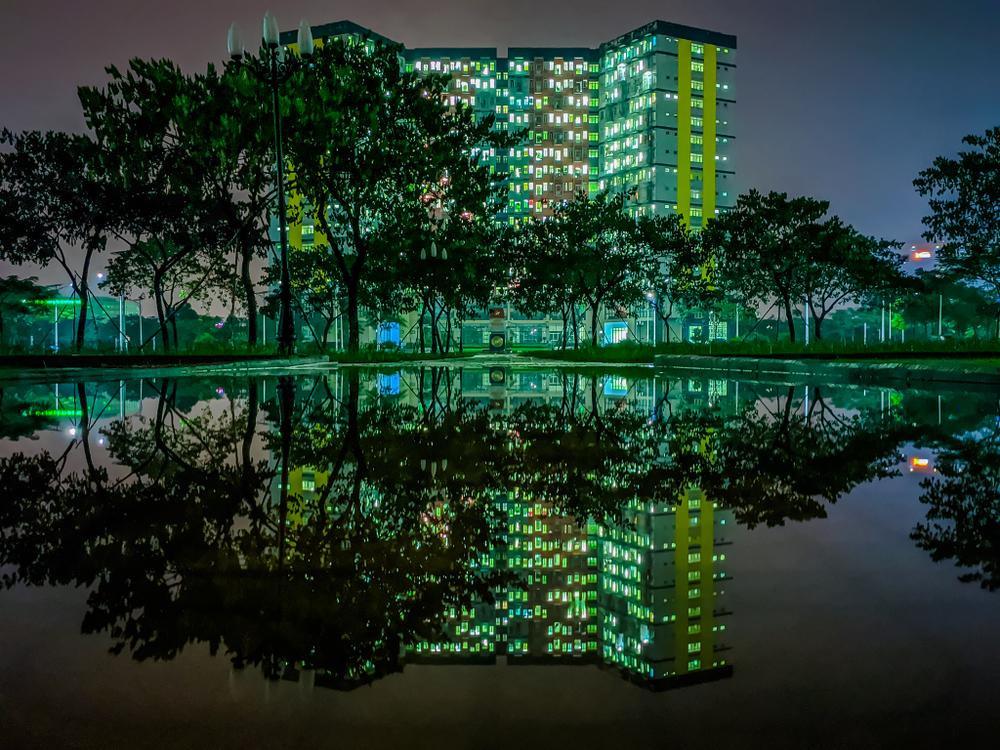 Sau cơn mưa, KTX ĐHQG TP.HCM đẹp lung linh khi hàng ngàn ánh đèn bừng sáng Ảnh 26