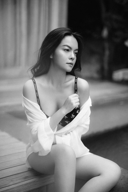 Phạm Quỳnh Anh 'cởi áo' khoe lưng trần gợi cảm: Mẹ hai con nhưng vóc dáng nuốt nuồn nuột Ảnh 6